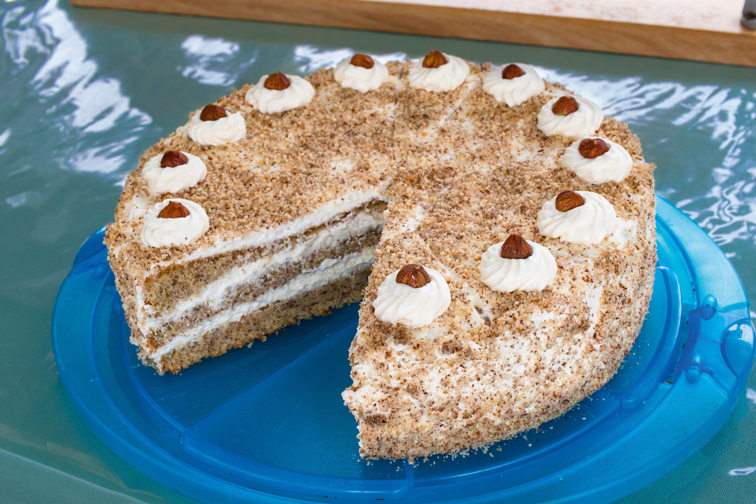Bauernmarkt-Isen-Markttag-Torte